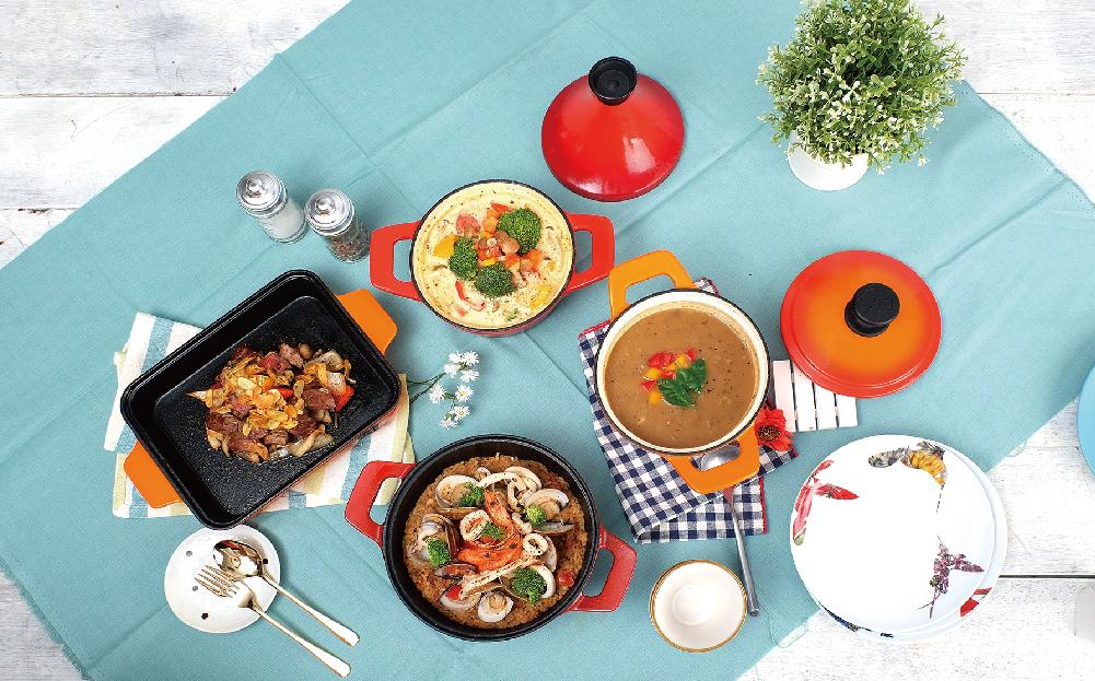 摩堤琺瑯鑄鐵鍋時尚繽紛,烹飪後可直接上桌,鍋即是盤
